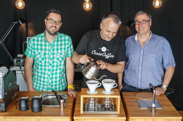 Kevin Windhorst und Oliver Kriegsch von Crosscoffee und Christian Holz von culicons
