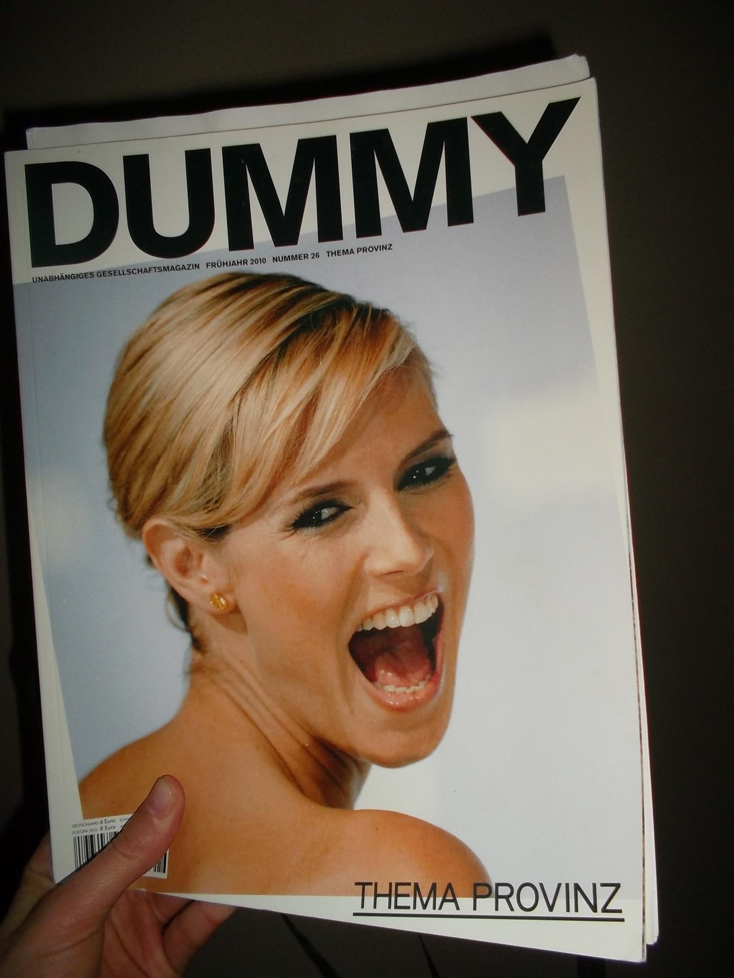 Heidi Klum auf dem Cover des Dummy Magazins 26